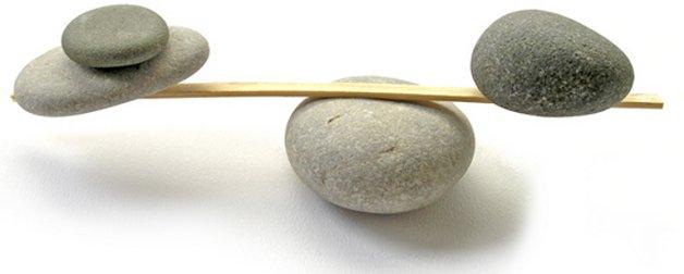 rocks_on_balance